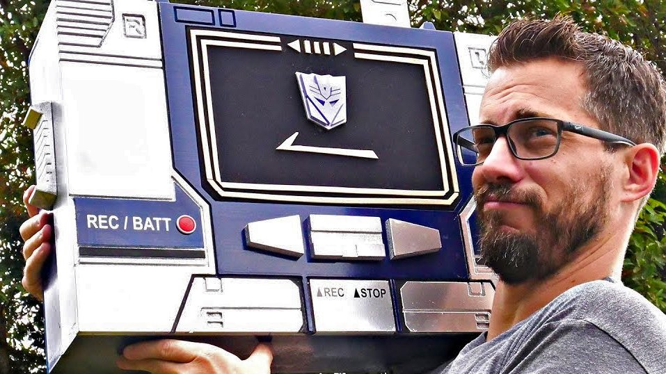This custom Bluetooth Soundwave boombox isn't actually a Transformer, but I still want it