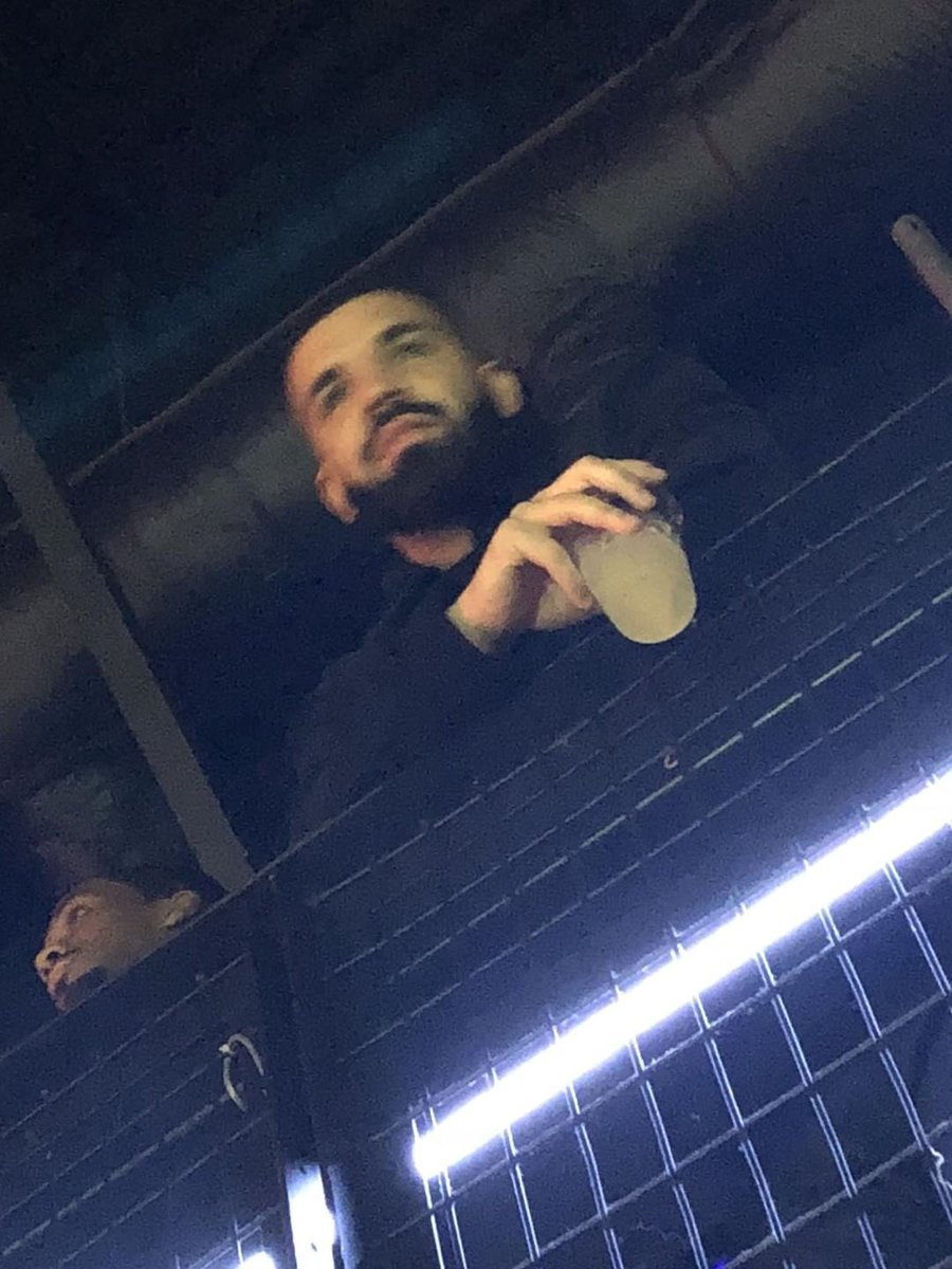 Sooooooo, Drake was at the Kali Uchis concert.