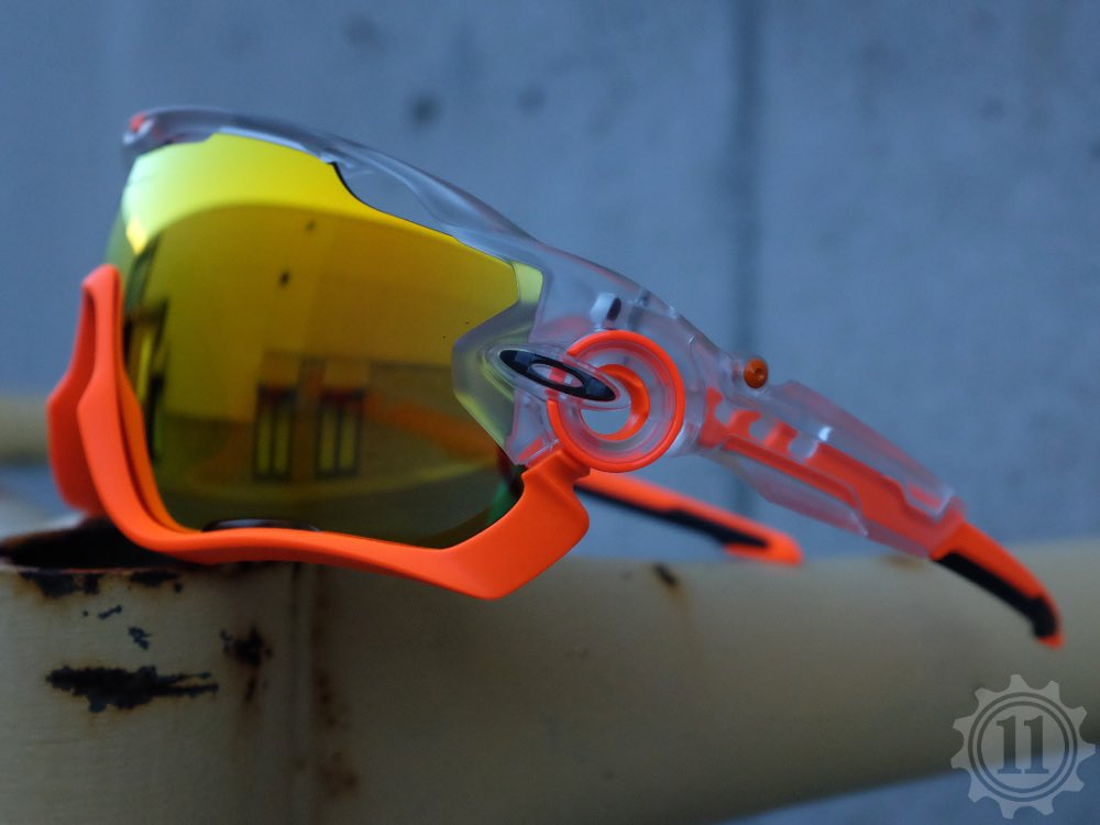 f21197d078  oakley Jawbreaker Crystal Pop Orange...  the11inc  OAKLEY  jawbreaker pic.twitter.com drvrrRzJrb
