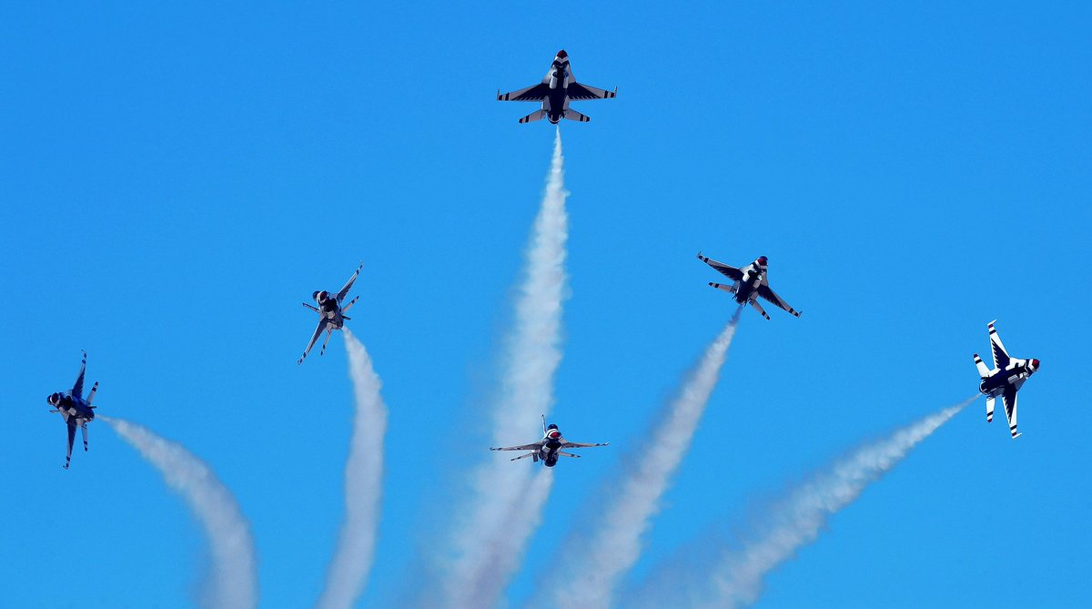 Happy 71st birthday, @usairforce! Even this #USArmy guy can admit that you are the world's greatest #AIRPOWER. #AFBDay