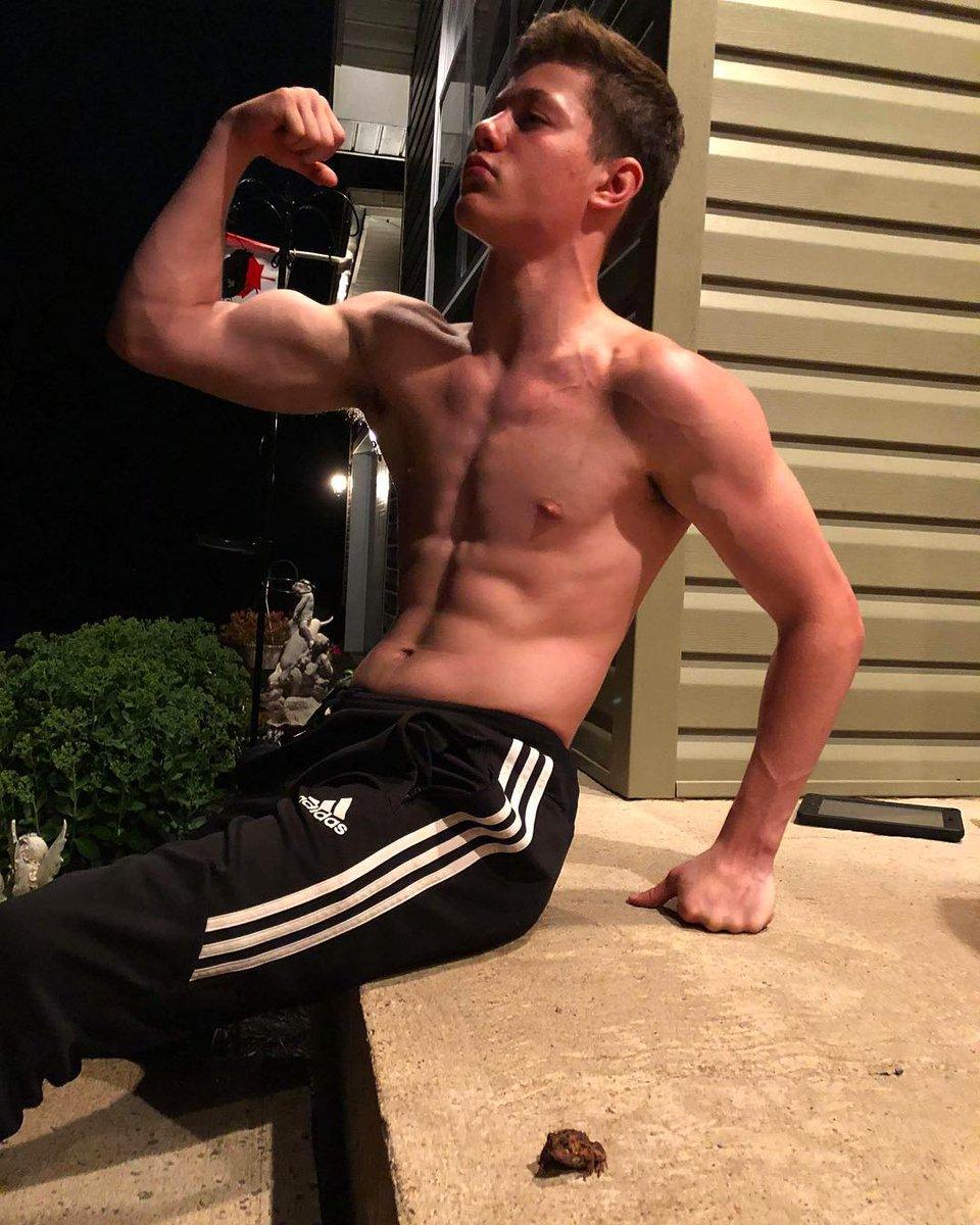 Teenboys biceps, maria ozawa nude pic
