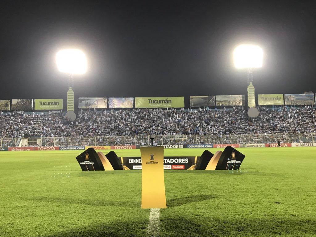 Já estamos no estádio José Fierro! 🇦🇷💪🏽⚽🇪🇪🏆 #Libertadores2018 #DonosDaAmérica #EmBuscaDoTetra #CATxGRE