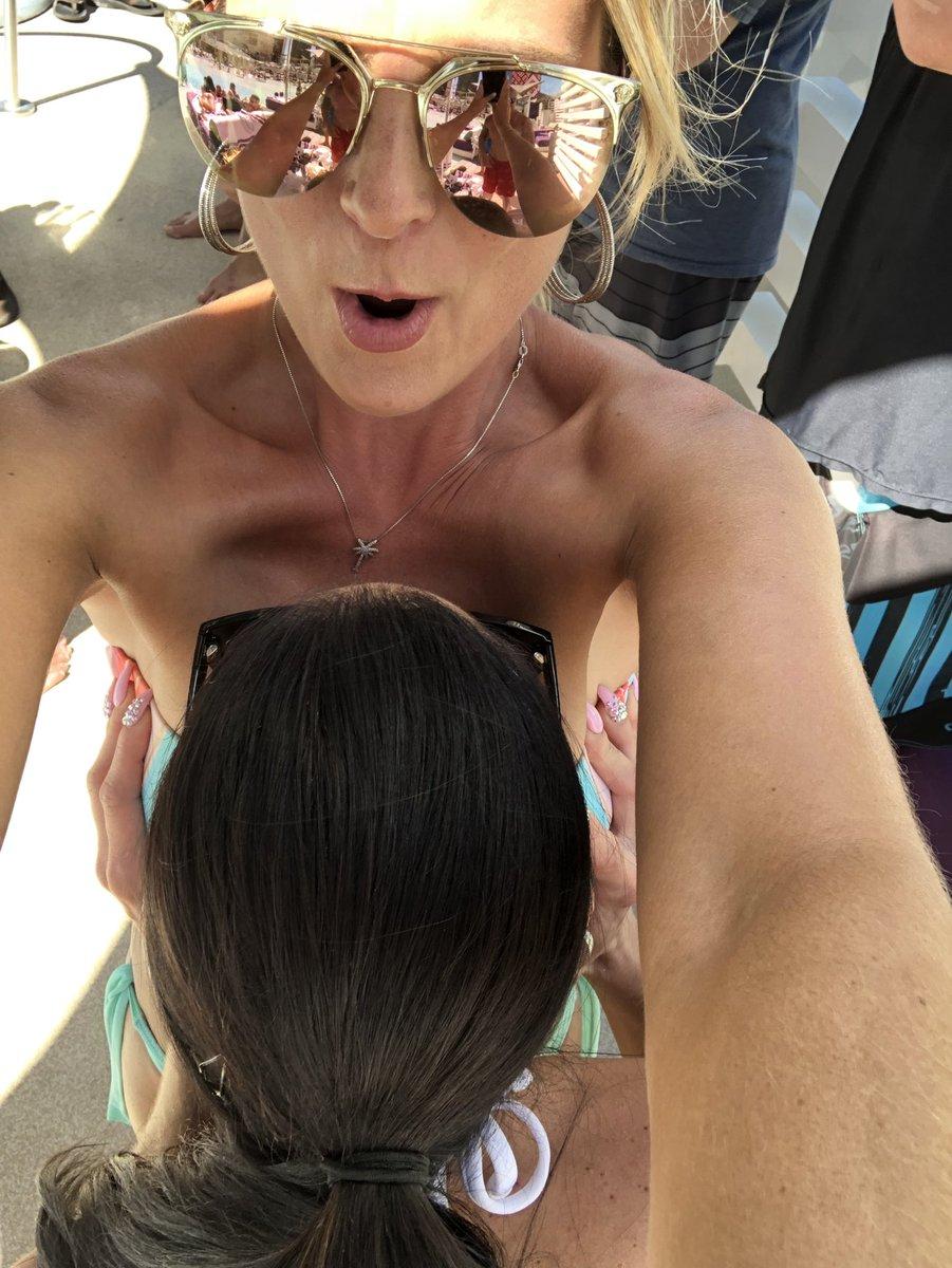 Kendra Lust  - The new 🙌🏻 selfie motorboatselfie vegas twitter @KendraLust