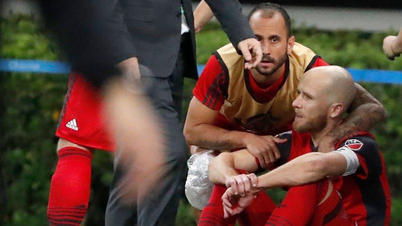 Michael Bradley Might As Well Retire After Zlatan Ibrahimović Ethered Him https://t.co/arQpytiVHv https://t.co/T3viycMsxp
