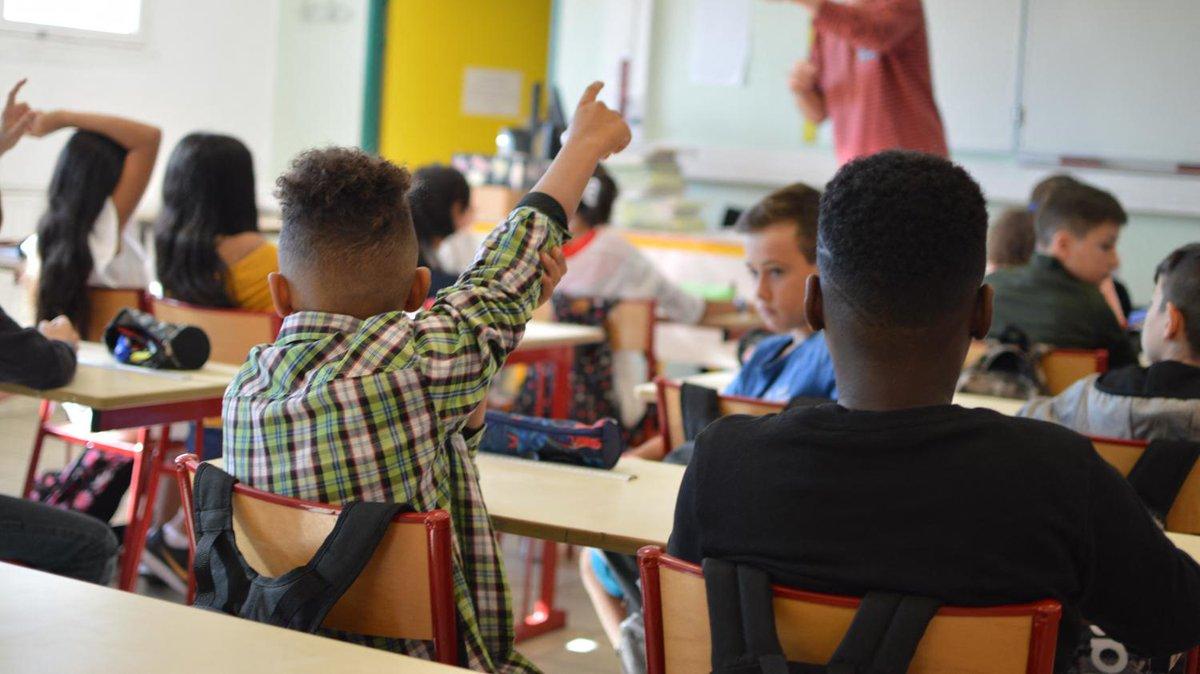 'Une grande différence entre ceux qui ont la possibilité d'avoir des informations et les autres' : comment la famille pèse dans l'orientation des élèves  https://t.co/pmJ3goDEIb