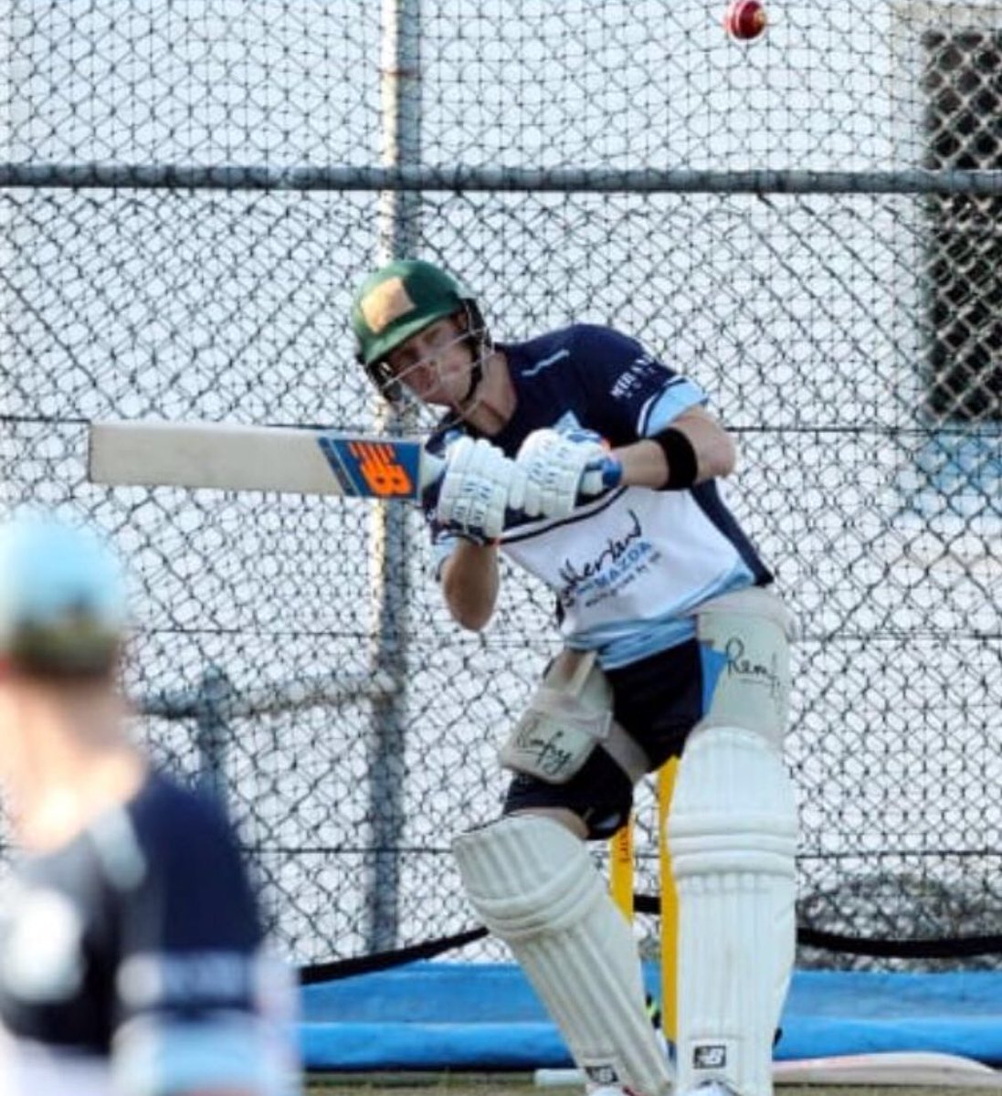Steve Smith at grade training wearing his Australia lid, getting bounced. This is my new screensaver. <br>http://pic.twitter.com/C0wCHmmndW