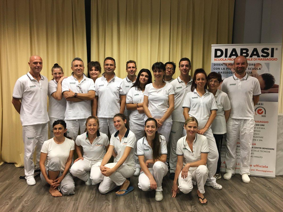 Grazie ai partecipanti ai nostri corsi di Massaggio Kirei e Kobido, Riflessologia Plantare e Patologie del Massaggio organizzati a Torino. Buono studio e buon lavoro!#massaggio #massaggi #corso #corsi #diabasi #Torino  - Ukustom