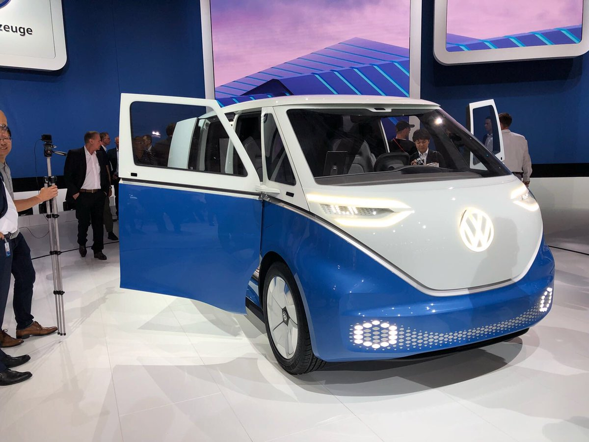 2017 - [Volkswagen] Electric VW Microbus concept - Page 2 Dnc-irFW4AATPVG