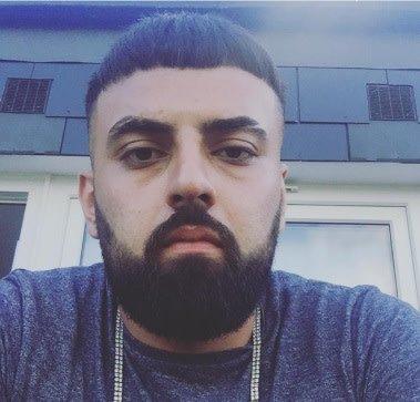 Man charged following murder at #Tottenham cemetery https://t.co/KsNKLLiu75 https://t.co/sB46sEvAxK