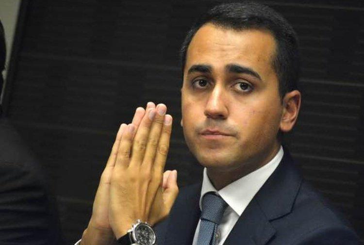 Lo scacco matto di #DiMaio: con la pensione di cittadinanza si prende gli elettori di Berlusconi. L\