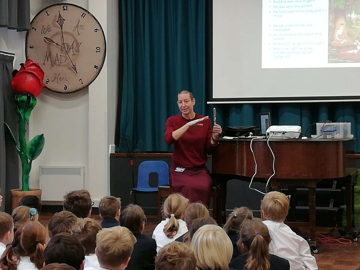 Years 3-6 hear a fascinating talk on Buddhism from a visiting Buddhist nun #PSHE #worldreligions https://t.co/shZfrqC8Qu
