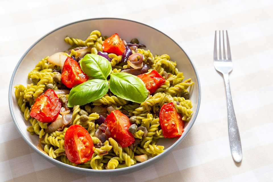 test Twitter Media - Check out this #vegan pea pasta recipe of mine with slow roasted tomatoes & caramelised onions and garlic. Talk about plant-based goodness! https://t.co/l8EeFLtWf3 https://t.co/7BTXd5nFVa