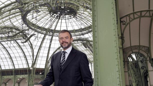 Entre limousine et taxis, l'ex-président du Grand Palais aurait dépensé plus de 400.000 euros https://t.co/f2tZULR2yk