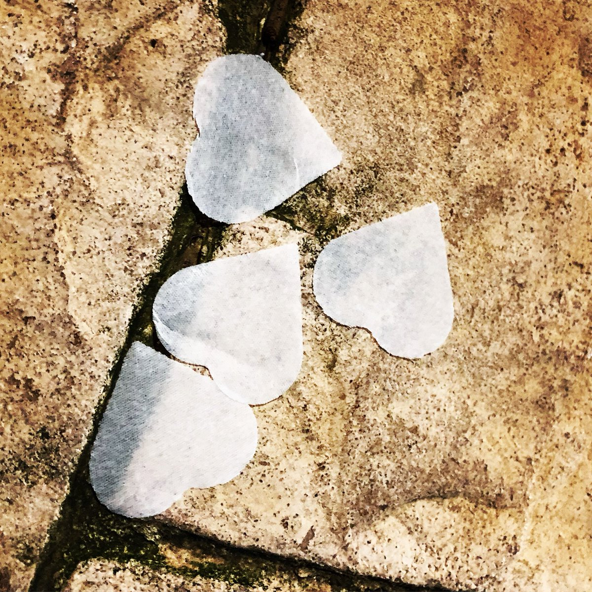 Cuori rubati#stone #heart #pantelleria #core #essence #texture #stolen #settembre2018 #islandlife #cuore  - Ukustom