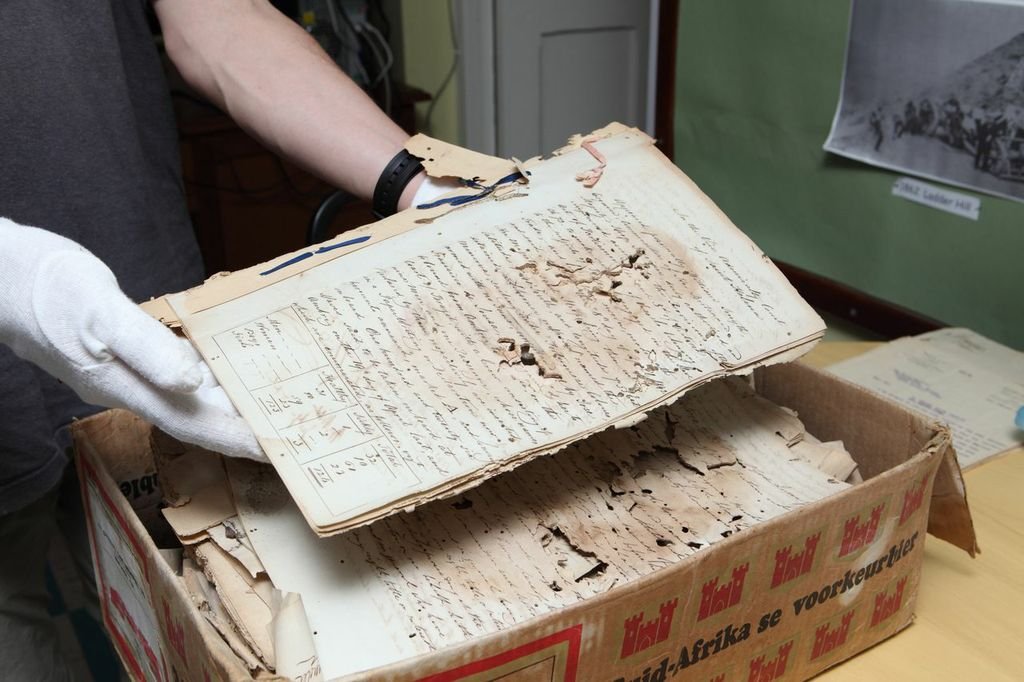 test Twitter Media - The @bl_eap is hiring! A fantastic opportunity to join as Head of the Endangered Archives Programme. Closes 1 November. @britishlibrary   https://t.co/B5wAb5r2AV https://t.co/QKf9Al2U7Q