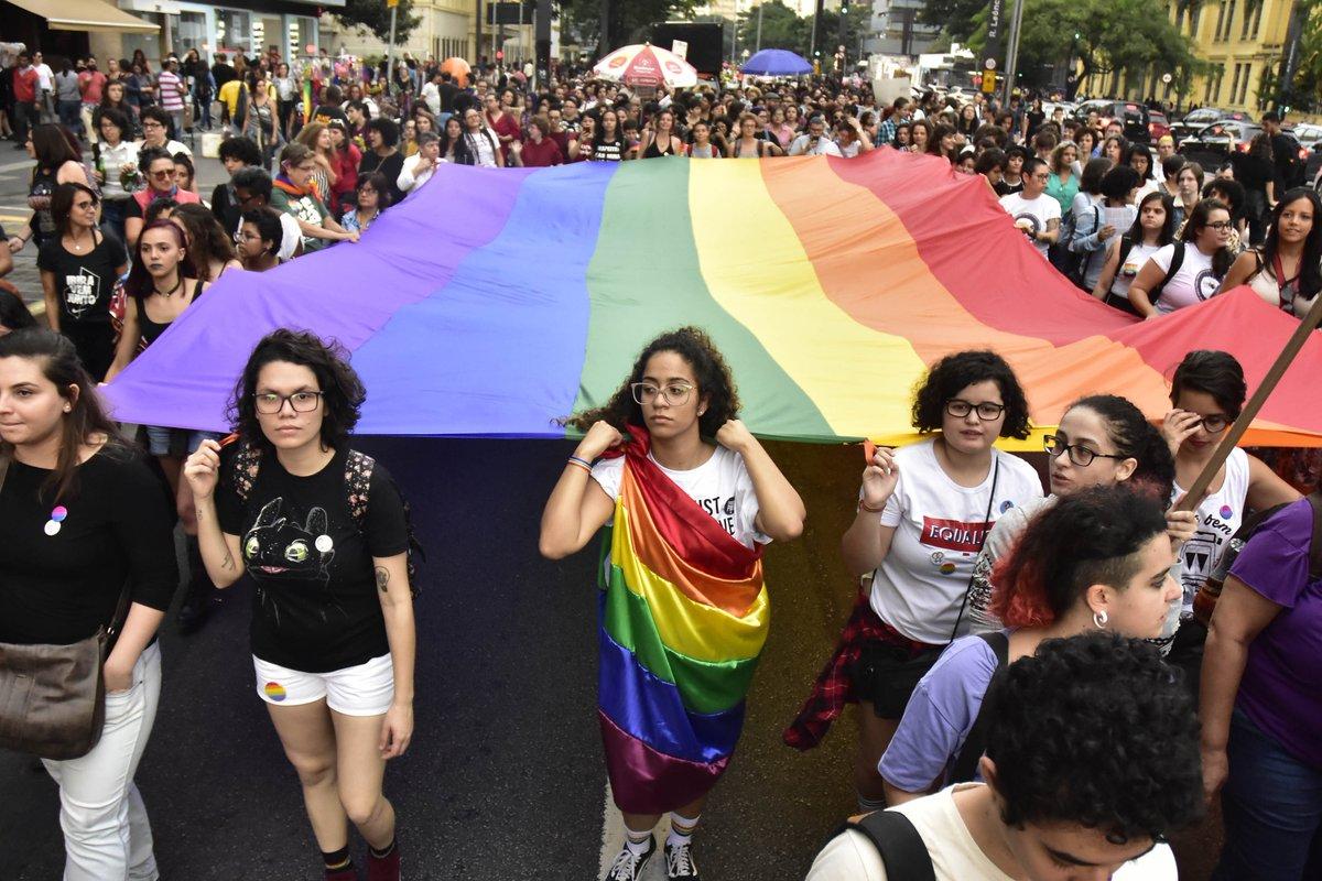 É surpreendente que, no Brasil, onde abundam dados sobre o flagelo do abuso sexual infantil e violência contra LGBTs, não estejamos implementando políticas para diminuir esses fenômenos. https://t.co/nNeDGdVxfB