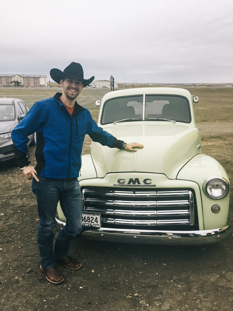 Williammichaelmorgan On Twitter Doesn T Get Much Better Than An Old Gmc Truck Classic Gmc Truck Classiccars Cars