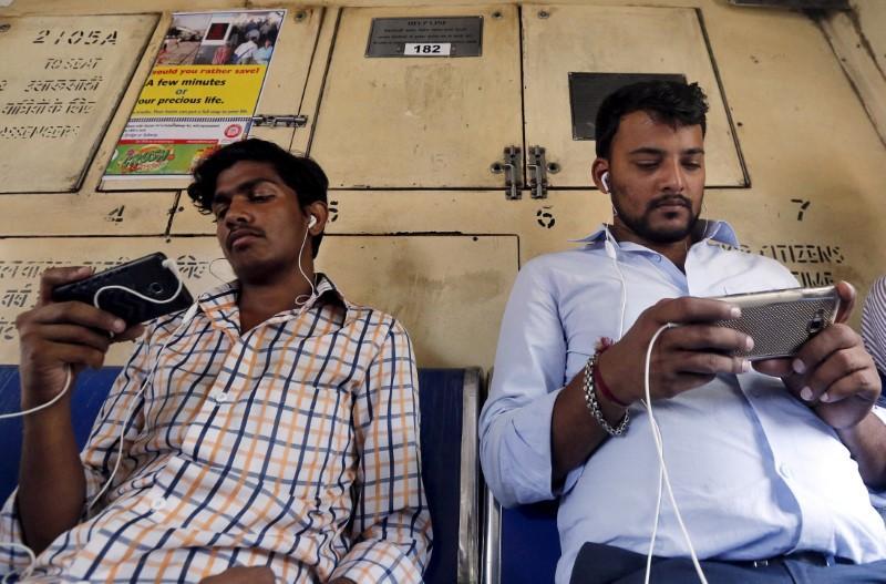 Global tech firms gear up to fight India's planned data law https://t.co/GtSvrMSIyA https://t.co/cbIuVwFkRu