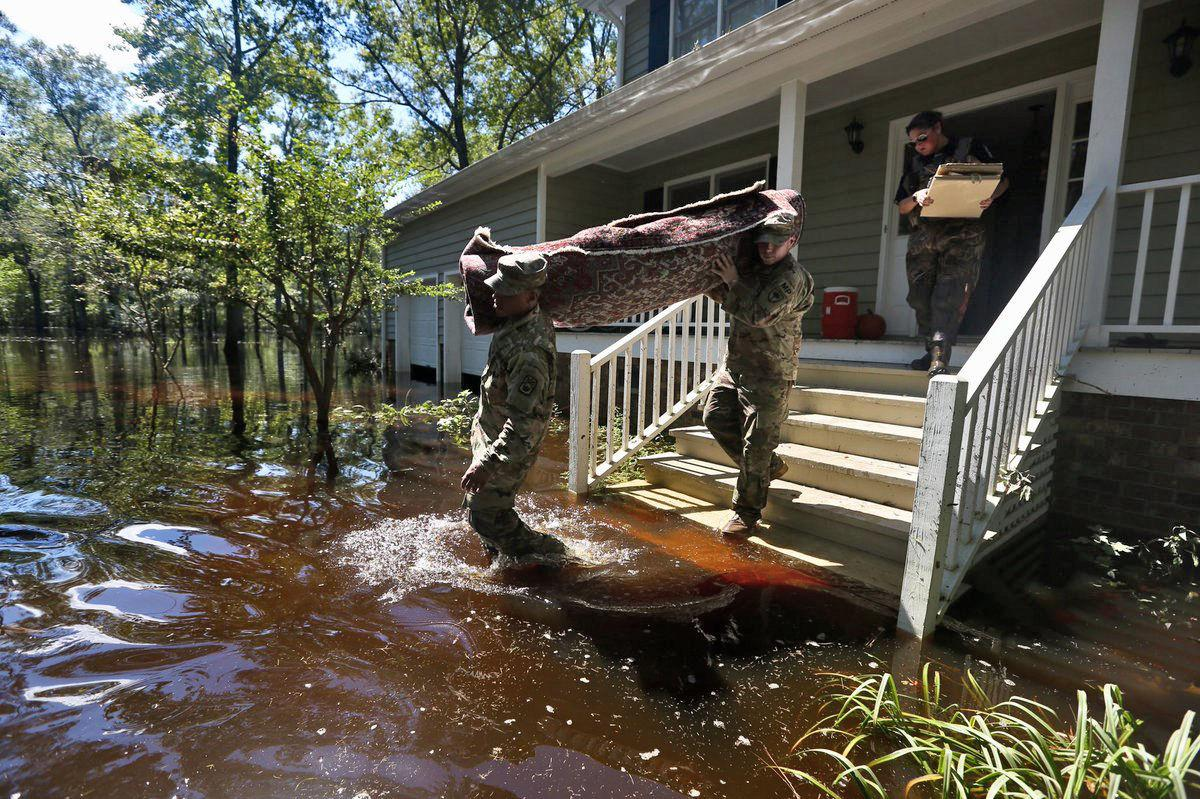 Photos: Following #Florence, Conway, SC is experiencing significant flooding, with more expected to come.   📷s from @LaurenPetracca: https://t.co/TelMpG9vWe
