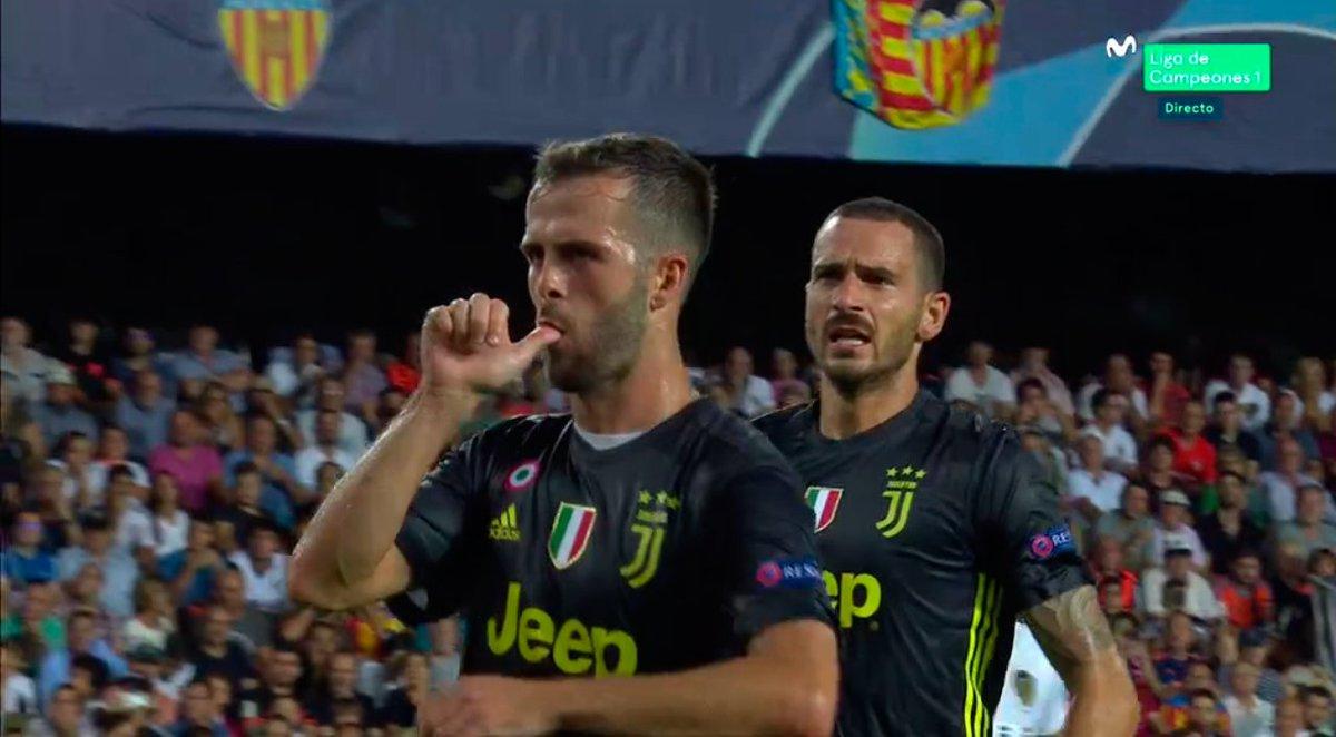 La Juve toma ventaja. Pjanic, de penalti. #ChampionsMLC