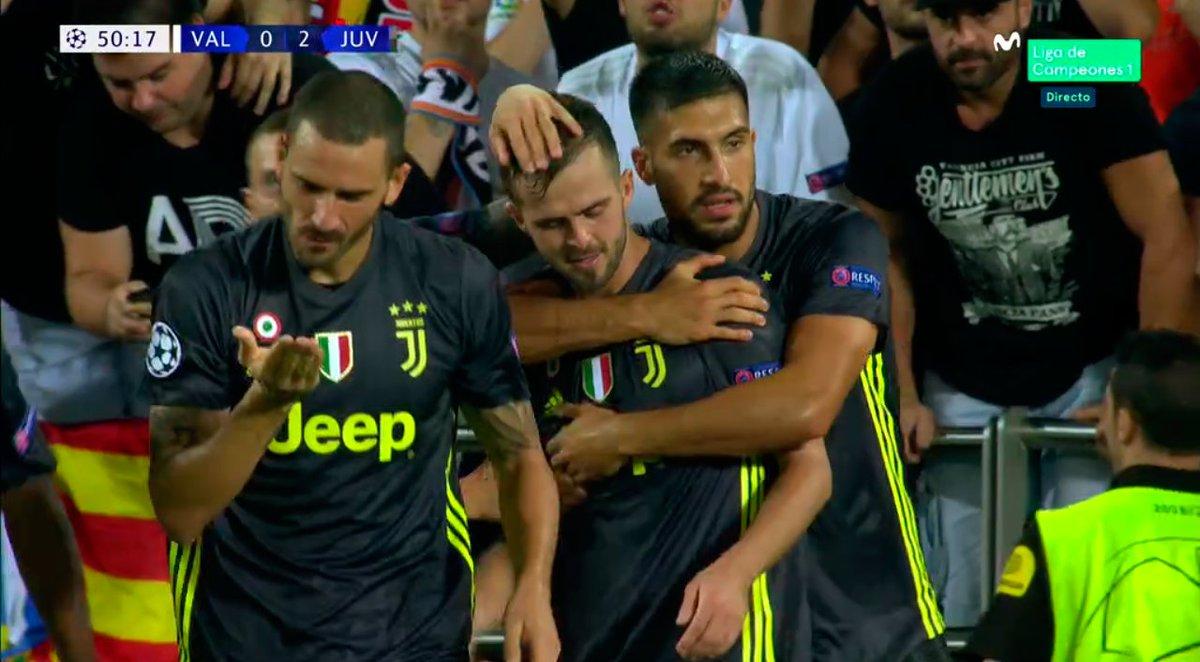 Otro penalti. Otro gol de Pjanic. La Juve se pone 0-2. #ChampionsMLC