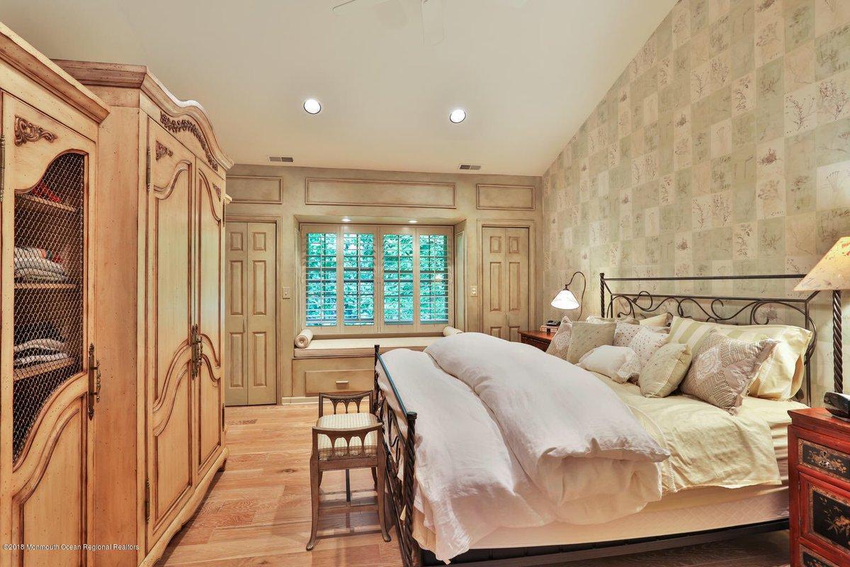 Debra Michel Real Estate Pro On