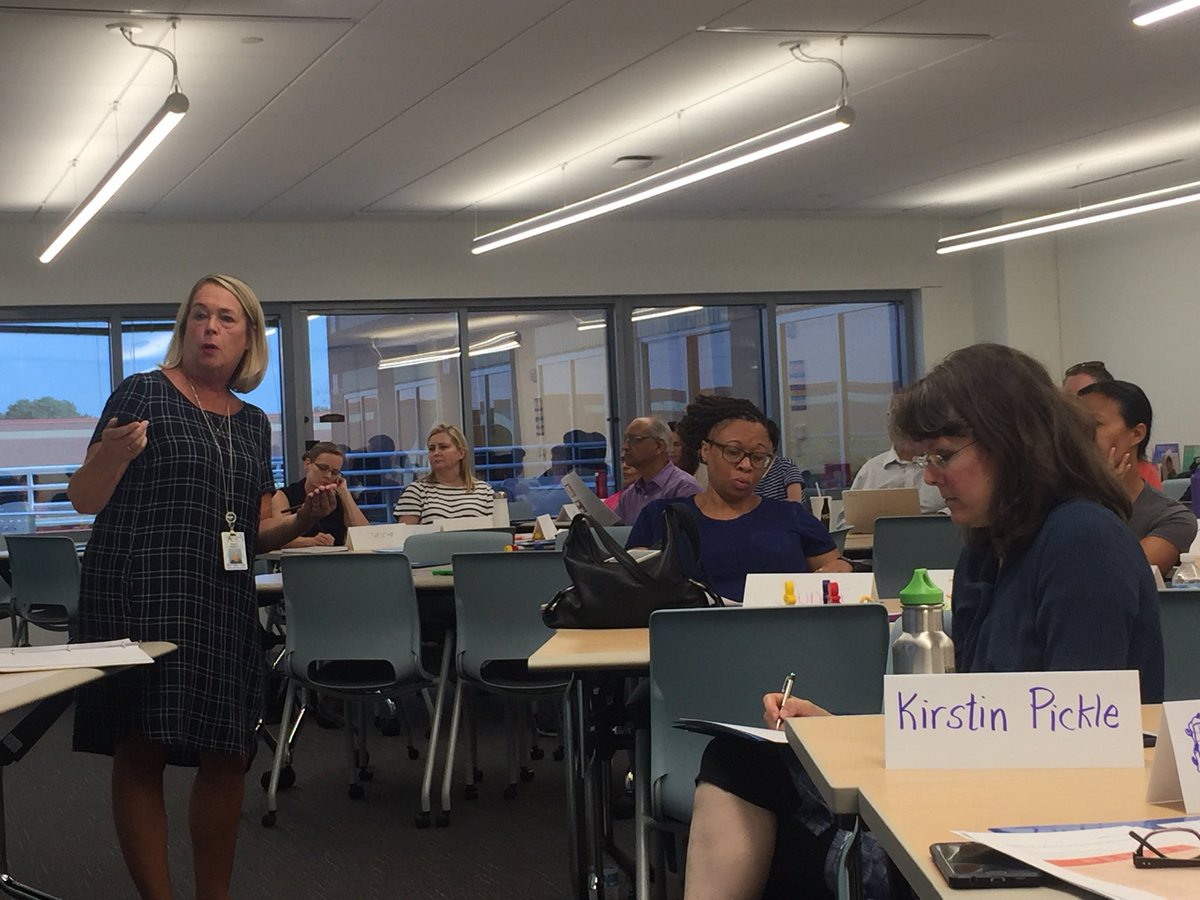 Our wonderful Kelly Mountain discusses executive functioning skill development with MITM participants. <a target='_blank' href='http://twitter.com/ArlingtonSEPTA'>@ArlingtonSEPTA</a> <a target='_blank' href='http://twitter.com/APS_SpecEduc'>@APS_SpecEduc</a> <a target='_blank' href='https://t.co/tJ5pbT9KJp'>https://t.co/tJ5pbT9KJp</a>