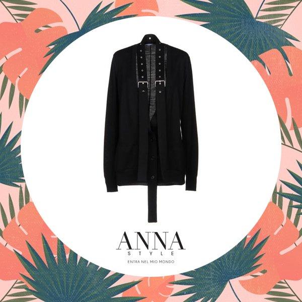Entra nel mio Mondo   http://ow.ly/QFcm30lRYrr #blusa #moda #altamoda #GIVENCHY @GIVENCHY #modaautunno2018 #modadonna #donneallamoda  - Ukustom