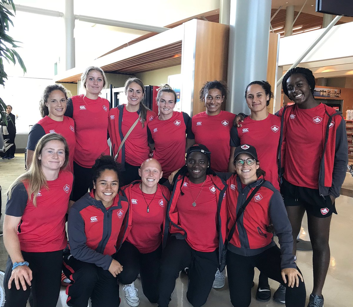 Safe travels to our Women's Maple Leafs 7s Team off to defend their #<a target=