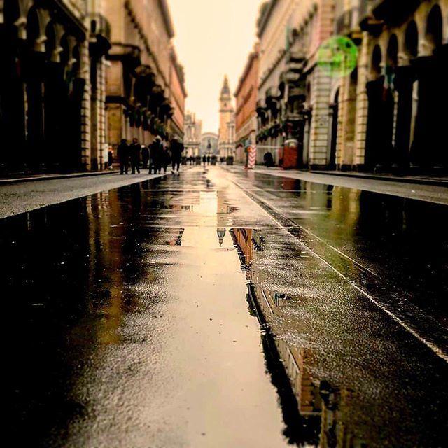Prepariamoci a questa città!Grazie a @marimare_7 per questo particolare scatto!Usate #amare_torino se volete far parte della galleria.Foto selezionata da @_picsimo_#torino #turin #turismotorino #cittaditorino #ig_turin#igerspiemonte #igerstorino #torinoèlamiacittà…  - Ukustom