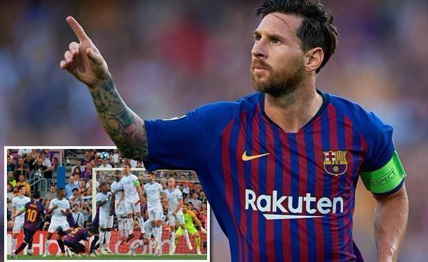 Lionel Messi nets two landmarks thanks to stunning free-kick vs PSV Foto