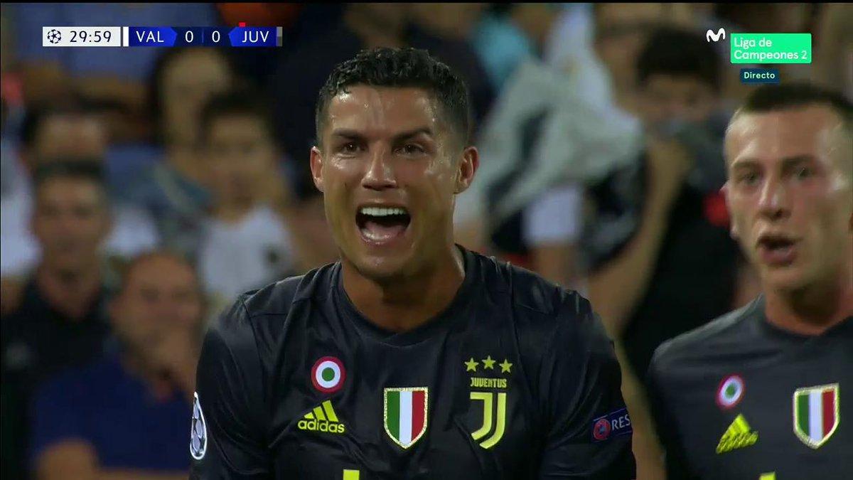 Cristiano Ronaldo se va expulsado, entre lágrimas. #ChampionsMLC