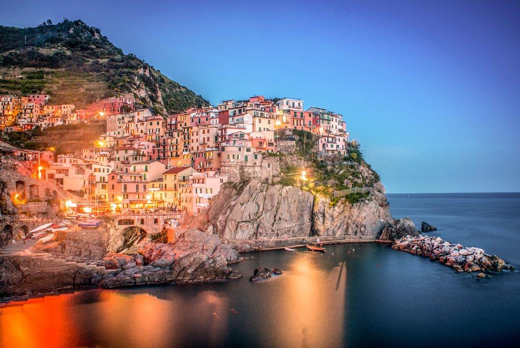 Manarola - Italy  #manarola  #manarolaitaly #manarolacinqueterre #cinqueterre #italy #holidays #sony #sonyalpha #sonya #italytrip #ig_liguria #genova #laspezia #liguria #cinqueterre  #italy_vacations #italian_places #top_italia_photo #beautifuldestinations #italianlandscapes  - Ukustom