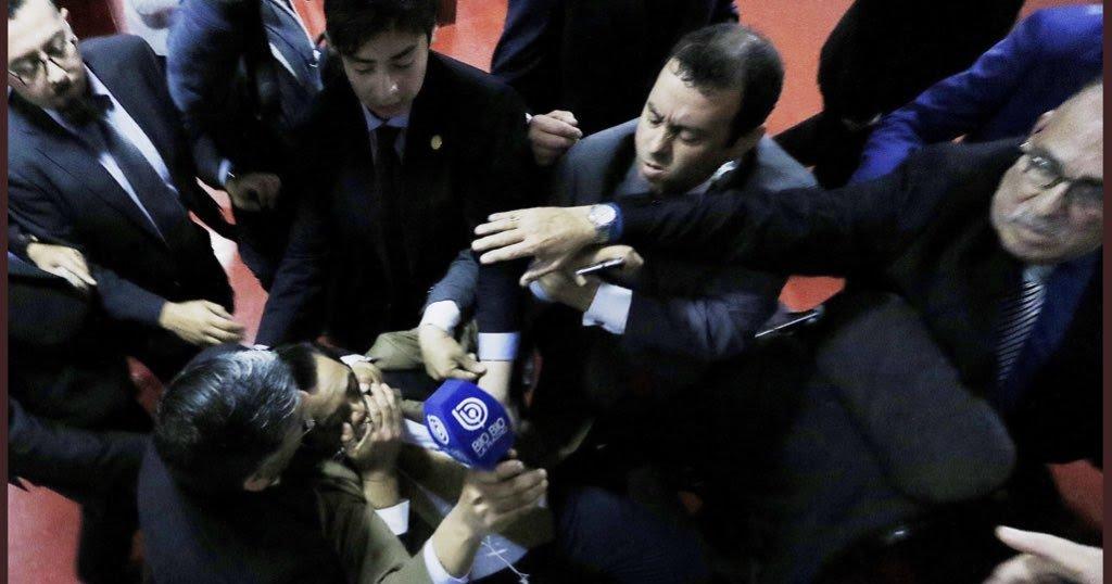 Colegio de Periodistas repudia agresión a la prensa y anuncia sumarse a demandas http://dlvr.it/QklqHt