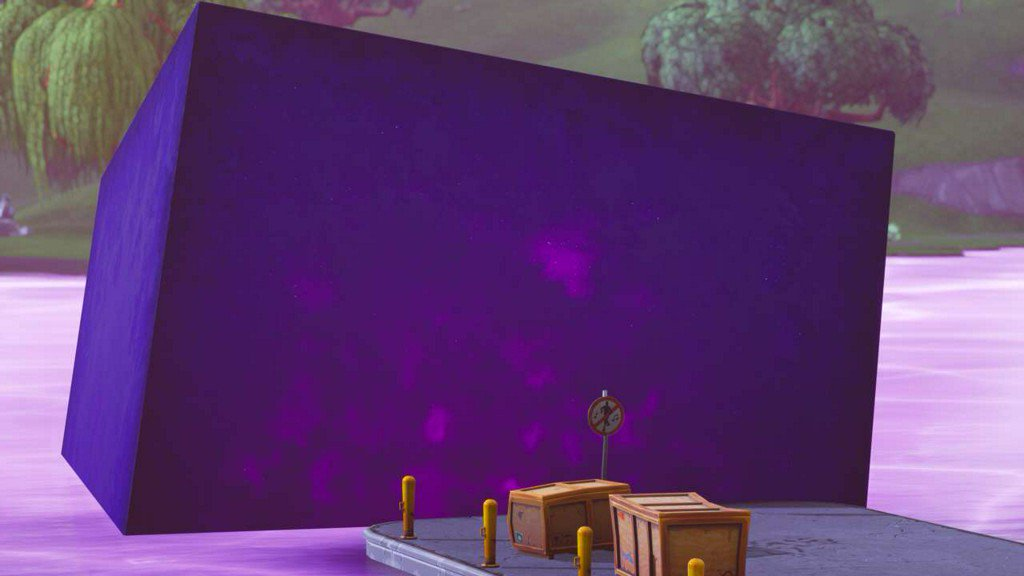 The Fortnite mystery Cube is dead, and Loot Lake has turned purple (and bouncy?!!) 👀 https://t.co/kzjF4gPXSn