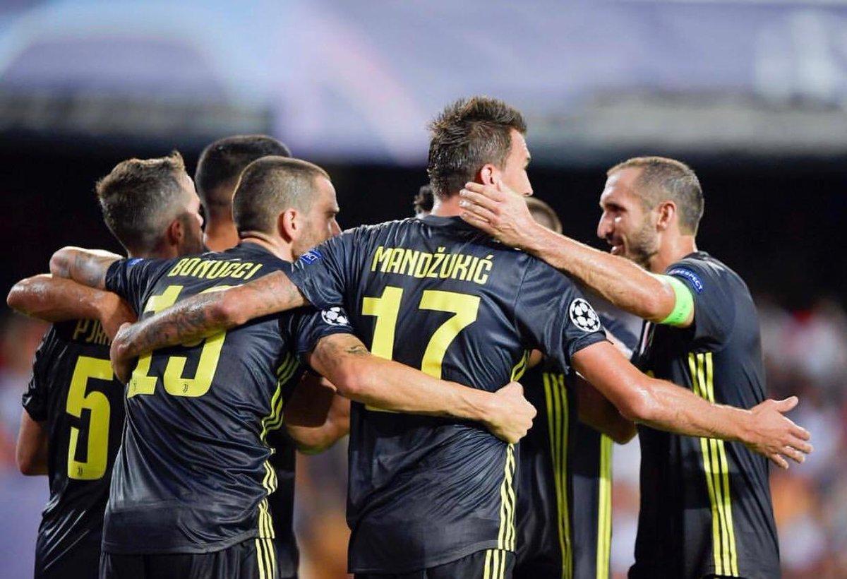 Questa sera abbiamo dimostrato che siamo un gruppo e insieme possiamo affrontare tutto! #FinoAllaFine #VCFJuve #Juve #Juventus #ChampionsLeague #ucl #ForzaJuve #ForzaJuventus #Pinsoglio #CarloPinsoglio #pinso #DaiUnPoEh  - Ukustom