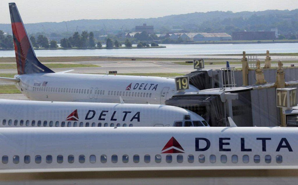Delta joins United, JetBlue in hiking U.S. baggage fees to $30 https://t.co/6atwNkc9Kj https://t.co/0dR2Cnfqb4