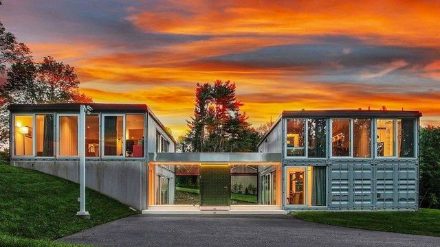 Modern Shipping Container Marvel in New Jersey on the Market for $875K https://t.co/I54KyNzUeT https://t.co/wFQBnhjAbs
