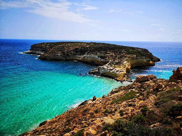 Buonanotte così  #isoladeiconigli  #lampedusa #isola #isoladilampedusa #sicilia #siciliabedda #mare #sea #spiaggia #beach #estate #summervibes #summer #bestpicture #bestphoto #picoftheday #photooftheday #instagood #instalike #like #beautiful #panorama #spettacolo #follow …  - Ukustom