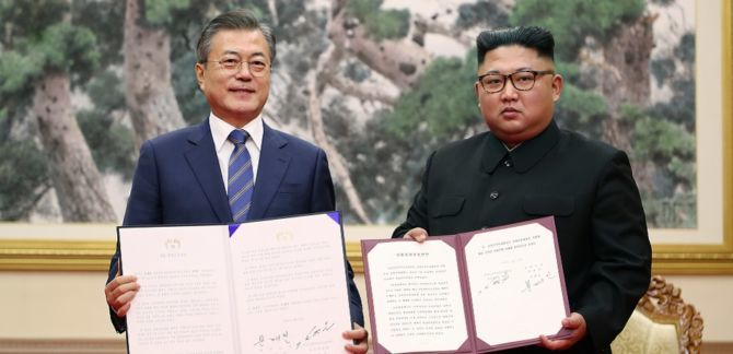 North and South Korea Looking For Peace, But Kim Jong Un Expects Action From The US - The leaders of North and South Korea have committed to a permanent end to the threat of war between them. Photo