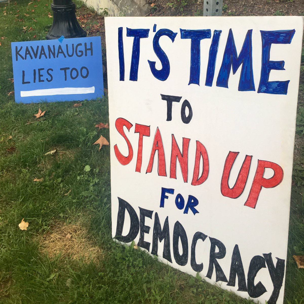 #StandOnEveryCorner  Waterbury, VT Day 29 Ok, my friends, I'll confess... I went out there angry and cynical  tonight. Without a lot of hope. I had my hat brim down low and my sign up high, hiding, pissed. And I almost chased down the first guy who gave me flack. But.... <br>http://pic.twitter.com/H3gmfX2DlZ