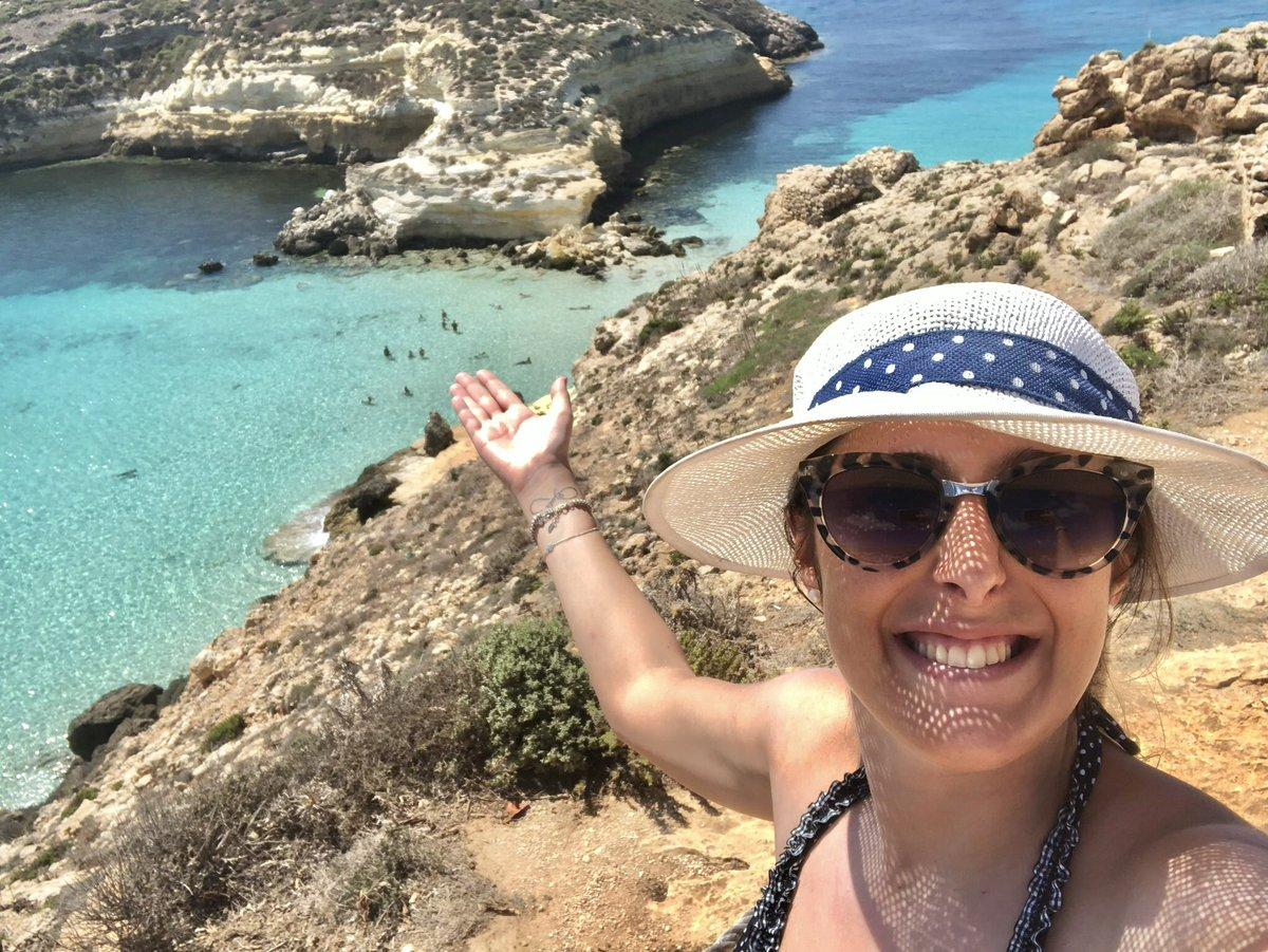 La spiaggia più bella d'#Italia secondo @TripAdvisorIT e al settimo posto in Europa #SpiaggiaDeiConigli a #Lampedusa guardate che meraviglia   - Ukustom
