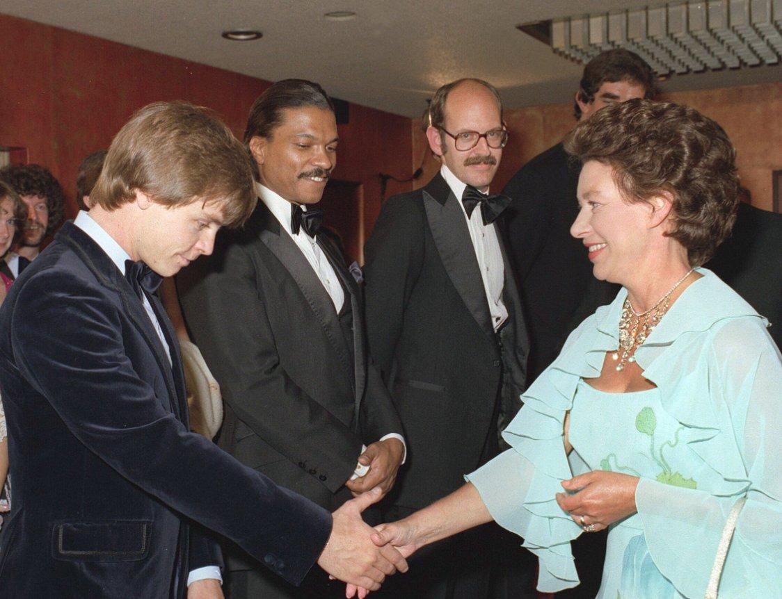 That time Billy Dee Williams pranked #StarWars co-star Mark Hamill https://t.co/fUd2IDOQMv