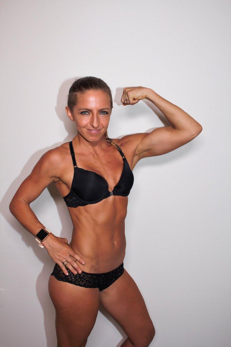 Amanda Olson Nude liftncarry hashtag on twitter