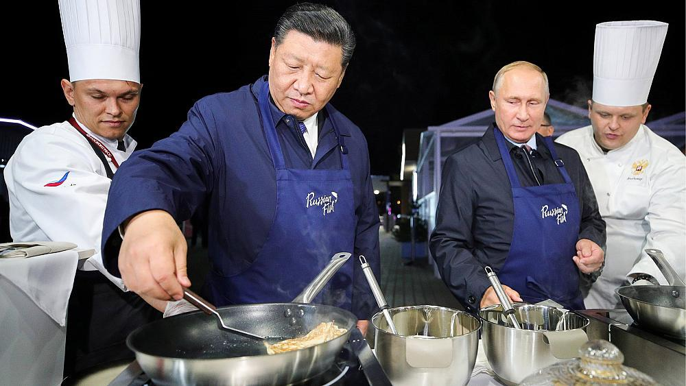 This culinary showmanship reflects a larger trend: Russia and China are developing a closer, albeit uneasy friendship.  Read more: https://t.co/y1PjicyRYs