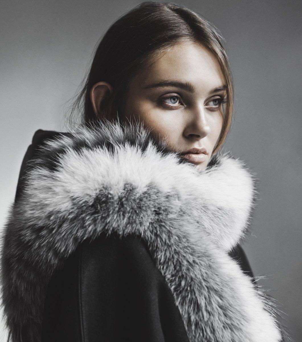 88a717b11d53a4 #gemmifurhouse #furscarf #furaccessory #finnishdesign #fur #furs  #furfashion #furlove #furlovers #pelz #pelzweste #pelzmode #style  #fashionpic.twitter.com/ ...
