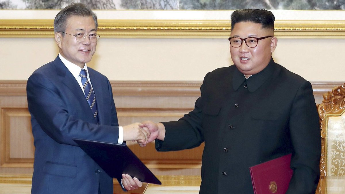 Moon Jae-in leaves #DPRK after three-day inter-Korean summit with Kim Jong Un, and invites Kim to visit Seoul within the year