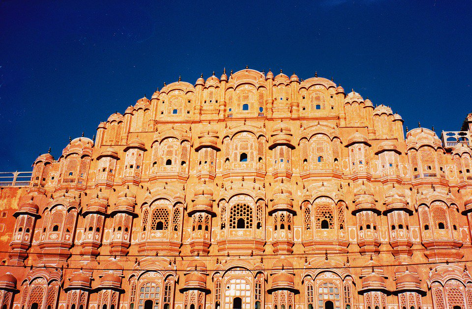 Government gears up to bag Unesco heritage city tag for Pink City   Read: https://t.co/N3uxeBD0zq via @TOICitiesNews