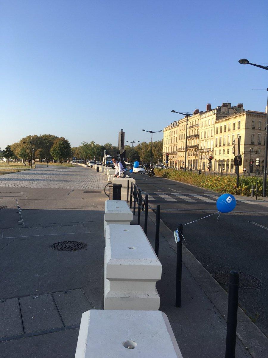 Bonjour @altareacogedim @nexity c'est quoi ce plastique partout dans les rues de Bordeaux ce matin pour votre programme belvédère? Vous n'avez pas vu #CashInvestigation ? #JeudiPhoto #plasticpollution  - FestivalFocus