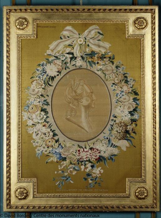 Catherine II  achète la bibliothèque de Voltaire Dnhcwp-WwAEQiTZ?format=jpg&name=900x900